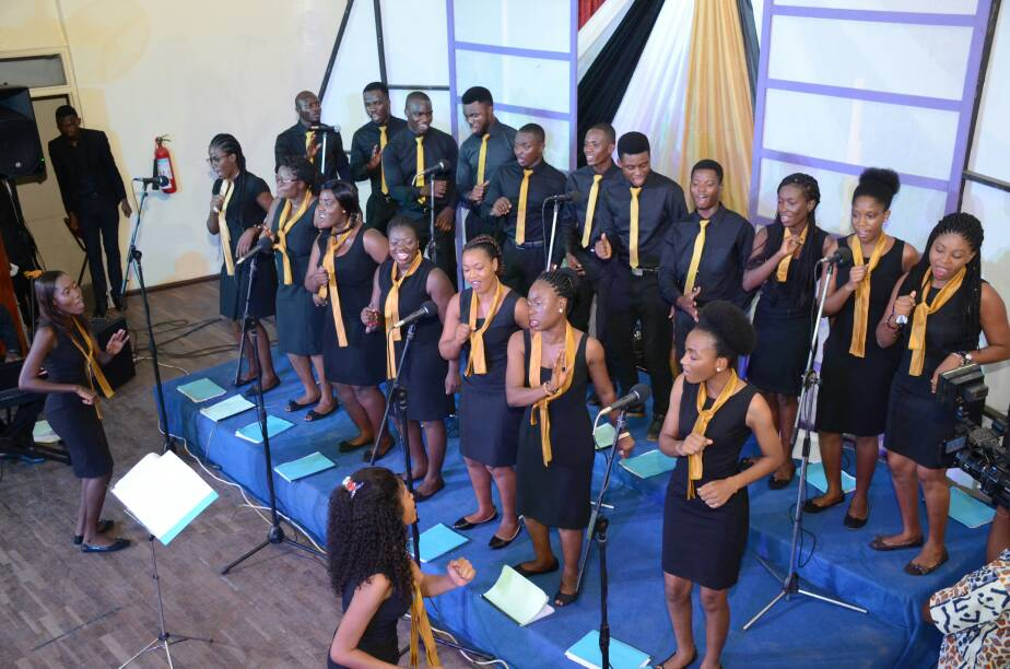 El Dunamis Minstrel's Album Launch Nii Adjetey witnessed the pre-Easter concert and album launch of El Dunamis Minstrels, an Osu-based choir celebrating its tenth year.